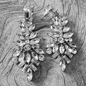 Flower chandelier rhinestone earrings